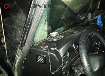 Установка акустики Land Rover