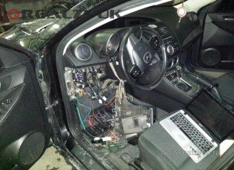 установка на Mazda 3