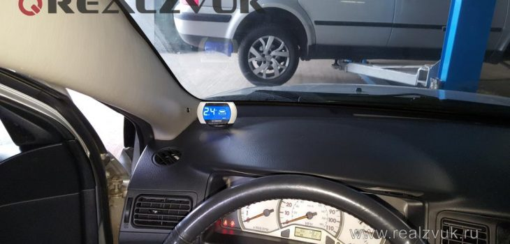 8 датчиков парктроник на Toyota Corolla