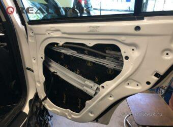 Виброизоляция задних дверей Kia