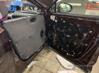 Шумка дверей Lexus
